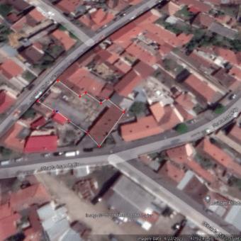 Vindem casa demolabila  de 572 mp si 939 mp teren pe str Eftimie Murgu-Oradea