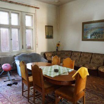 Vindem casa cu 5 camere pe str Jokai Mor-ultracentral in Oradea